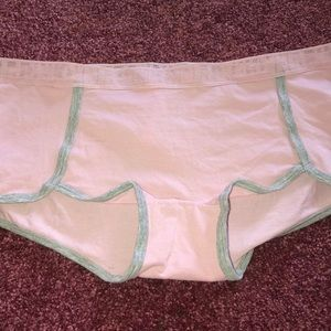 New with tag's pink Victoria's Secret panties